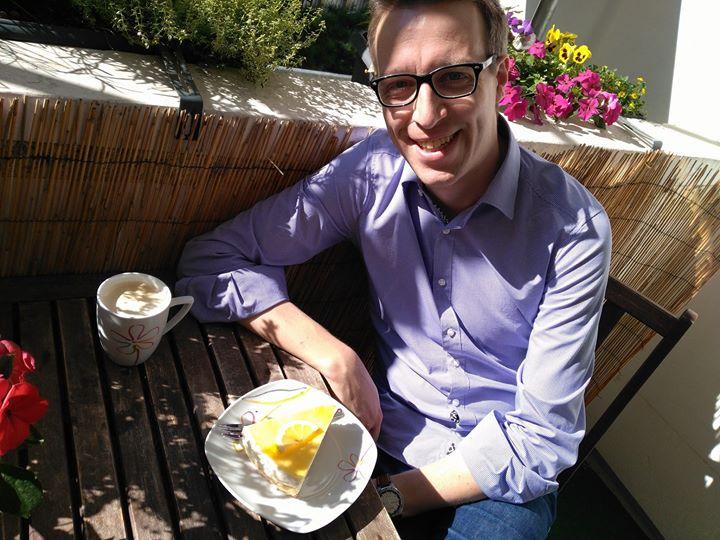 Feierabend…. Und zur Belohnung ein Stück Zitronentorte vom Bäcker des Vertrauens :-) Genießt den Abend!
